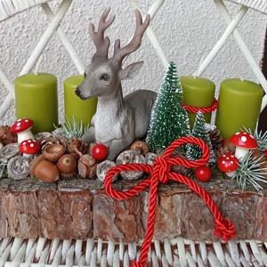 Adventi ,karácsonyi asztali dísz szarvassal, Otthon & Lakás, Karácsony & Mikulás, Adventi koszorú, Mindenmás, Virágkötés, A díszt egy fakéreggel körberagasztott alapra készítettem. A gyertyák közé tettem egy kerámia szarva..., Meska