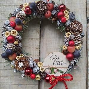 Karácsonyi kopogtató, ajtódísz  táblácskával, Otthon & Lakás, Karácsony & Mikulás, Karácsonyi kopogtató, Virágkötés, Mindenmás, Szalma alapra készült a kopogtató, melyhez sokféle díszt, termést használtam.\nEgy fa táblácska teszi..., Meska