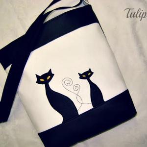 SZIA CICUS! FEHÉRBEN  , Táska, Divat & Szépség, Táska, Tarisznya, Válltáska, oldaltáska, Varrás,   Fekete és fehér színű textilbőr kombinációjával készítettem ezt a kényelmes és praktikus táskát. ..., Meska