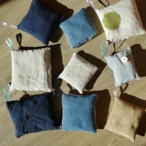 Levendulás illatpárnák - no waste: külseje újrahasznosított anyagból! - öko levendula párna, Otthon & Lakás, Dekoráció, Illatzsák, Varrás, 9 darab levendula párna - komplett szett a ruhásszekrény vagy fiókok illatosítására, melyek farmer é..., Meska