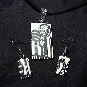 Fantázia Erdő monokróm textúrált gyurma medálos divatos fülbevaló nyaklánc szett , Ékszer, Ékszerszett, Ékszerkészítés, Fantázia Erdő monokróm gyurma medálos fülbevaló és nyaklánc szett \nTöbb variációban is elkészítettem..., Meska