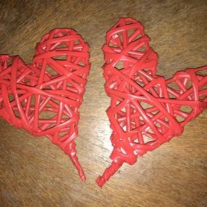 Fonott szívek - dekoráció, Dekoráció, Otthon & lakás, Ünnepi dekoráció, Dísz, Papírművészet, Újrahasznosított alapanyagból készült termékek, Papírfonás technikájával készült szívek. Ünnepi alkalmakra nagyszerű díszítés lehet, de ajándékba is..., Meska