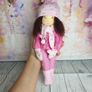 Waldorf textil rongy baba, Gyerek & játék, Játék, Baba, babaház, Varrás, Nemezelés, Mindene kézzel készült, kizárólag természetes anyagokból! Nagyon puha, igazi waldorf rongy baba. Tel..., Meska