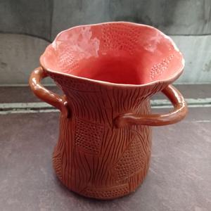 Váza, Otthon & Lakás, Dekoráció, Váza, Kerámia, Egyedi kerámia váza, kézzel épített és kézzel festett egyetlen darab. \n1300 fokon égetett és mázazot..., Meska