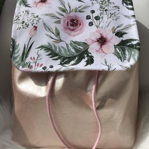 Púderrózsaszín-csodás rózsás, textilbőr, női hátizsák, Hátizsák, Hátizsák, Táska & Tok, Varrás, Bőrművesség, KÉSZLETEN VAN!\nVirágos vízhatlan designer textilből és gyönyörű  metál púderrózsaszín textilbőrből k..., Meska
