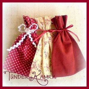 3 ajándékos zacskó, Karácsonyi csomagolás, Karácsony & Mikulás, Otthon & Lakás, Varrás, 3 db ajándékos zacskó, bordó színekben.\nKörnyezetbarát csomagolás, ami később másra is használható.\n..., Meska