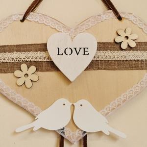 Romantikus tavaszi kopogtató/falidísz , Otthon & Lakás, Dekoráció, Ajtódísz & Kopogtató, Mindenmás, Virágkötés, Csipkével, madarakkal díszített tavaszi szív alakú kopogtató vagy akár falidísz a romantika kedvelői..., Meska