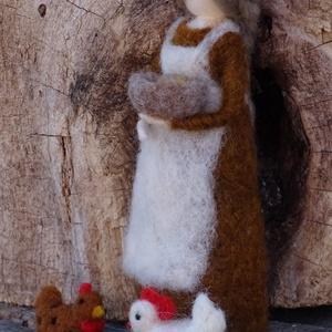 Nagymama tyúkocskákkal (Tunderlak) - Meska.hu
