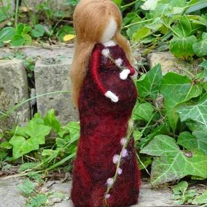 Várandós kismama, Otthon & lakás, Képzőművészet, Textil, Lakberendezés,  Babát váró tündér kismama, csodás bordó virágos ruhában. Ajándéknak, dekorációnak ajánlom, de jól m..., Meska