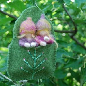 Rózsabimbó testvérek, Otthon & Lakás, Nemezelés, Ezekből a kis  Rózsabimbó babákból fakadnak majd a nyár csodás virágai, kivehető pici babák hímzett ..., Meska