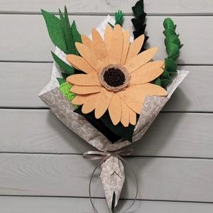 Virágcsokor filcből, Otthon & lakás, Képzőművészet, Vegyes technika, Dekoráció, Csokor, Virágkötés, Különleges, részletesen kidolgozott, kézzel készült egyedi termék.\n\nTökéletes ajándék és dekoráció. ..., Meska