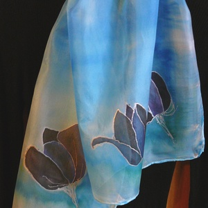 Fekete tulipán selyemsál, Táska, Divat & Szépség, Sál, sapka, kesztyű, Ruha, divat, Sál, Selyemfestés, Elvarázsol, magával ragad, télen melegít, nyáron hűsít.\nPongé5 hernyóselyemből készítettem ezt a cso..., Meska