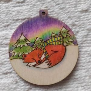 Rókás karácsonyfadísz, Otthon & Lakás, Karácsony & Mikulás, Karácsonyfadísz, Gravírozás, pirográfia, Pirográf technikával és színezéssel díszített fa karácsonyfadísz, szabad kézzel készült rajzzal. Ajá..., Meska