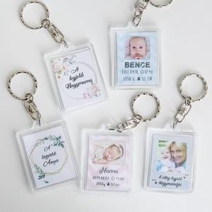 Kulcstartó - Kérd egyedi grafikával! - Anyák napja, baba, újszülött, emlék, Anyák napja, Ünnepi dekoráció, Dekoráció, Otthon & lakás, Gyerek & játék, Baba-mama kellék, Fotó, grafika, rajz, illusztráció, Egyedi fényképes, kétoldalú kulcstartó. Kérhető egyforma vagy két különböző képpel.\nA képek mérete 3..., Meska