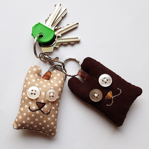 Szerelmes medvék - 2db mackó kulcstartó egy csomagban (uhuesbaratai) - Meska.hu
