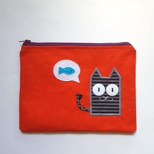 Mire gondol a cica? Narancsszínű neszesszer cirmos cicával, Neszesszer, Táska & Tok, Varrás, Hímzés, Te sem találsz soha semmit a táskádban? Az apróbb tárgyakat garantáltan biztos helyen tudhatod ebben..., Meska