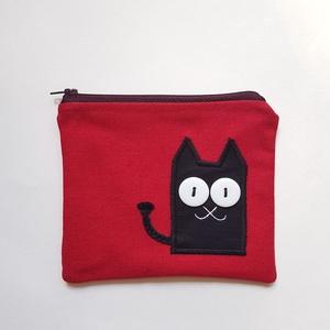 Bordó neszesszer fekete cicával, Táska, Divat & Szépség, Táska, Neszesszer, Varrás, Hímzés, Te sem találsz soha semmit a táskádban? Az apróbb tárgyakat garantáltan biztos helyen tudhatod ebben..., Meska