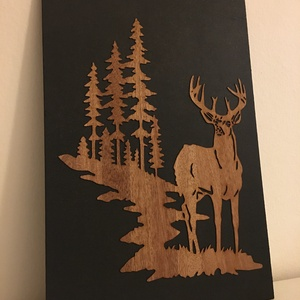 Szarvas falidísz vadászoknak, Férfiaknak, Otthon & lakás, Dekoráció, Képzőművészet, Famegmunkálás, Szarvas falidísz vadászoknak, valódi fa mintával.\n\nMérete: 200mm x 300mm, Meska