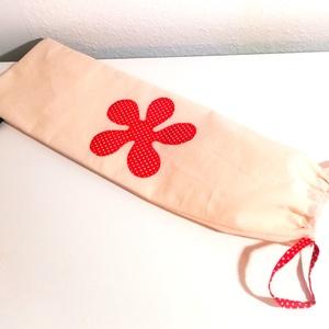 Baguettes zsák (piros pöttyös), Élelmiszer, Ajándék gasztro kosár, Varrás, Ez a kétrétegű, virág mintával díszített zsák frissen tartja a finom pékárut.\nKívül 100% pamutvászon..., Meska
