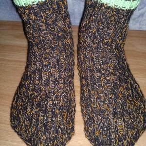 Kötött,  meleg  zokni 40-41-es méretben. , Zokni, Cipő & Papucs, Ruha & Divat, Kötés, Eladó a képeken látható, keverék (pamut, akril, gyapjú) fonalból készített meleg zokni, 40-41-s mére..., Meska