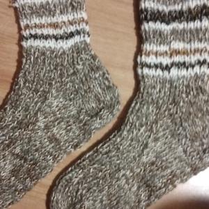 Kötött,  meleg  zokni 42-43-s méretben. , Zokni, Cipő & Papucs, Ruha & Divat, Kötés, Eladó a képeken látható, keverék (pamut, akril, gyapjú) fonalból készített meleg zokni, 42-43-s mére..., Meska