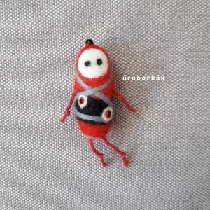Szidónia, Szörnyike, Plüssállat & Játékfigura, Játék & Gyerek, Nemezelés, Tűnemezeléssel, festett gyapjúból készítettem ezt a különleges gésa ihlette úrhölgyet. Testének mére..., Meska