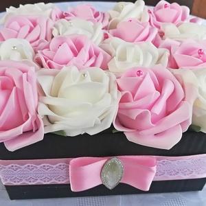 Fehér-rózsaszín mix rózsadoboz (16 szál), Dekoráció, Otthon, lakberendezés, Asztaldísz, Dísz, Virágkötés, Bájos rózsadoboz készült fehér és rózsaszín habrózsákból. Ajándékozd meg vele szeretteidet, barátai..., Meska
