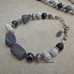 Havas sziklák  -  szürke fehér karkötő ásványokkal (uveggyongyjatek) - Meska.hu