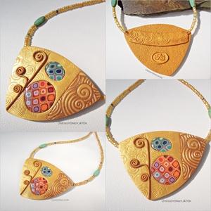 Arany színű nyaklánc, medál Klimt motívumokkal (uveggyongyjatek) - Meska.hu