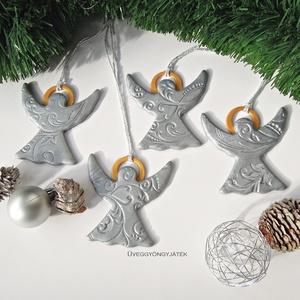 Ezüst angyalok glóriával  -  karácsonyi dísz, dekoráció, ajándékkísérő, Otthon & lakás, Dekoráció, Ünnepi dekoráció, Karácsony, Ajándékkísérő, Karácsonyfadísz, Karácsonyi dekoráció, Gyurma, Ezüst színű süthető gyurmából készítettem az angyalokat - ezért légiesen könnyűek és nem törnek, ha ..., Meska