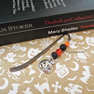 Könyvjelző rémtörténetekhez  -  halloween, fekete narancssárga könyvjelző, Otthon & Lakás, Papír írószer, Könyvjelző, Antikolt fekete színű könyvjelző alap 8 mm-es ónix és lávakő ásvánnyal,  6 és 8 mm-es narancssárga c..., Meska
