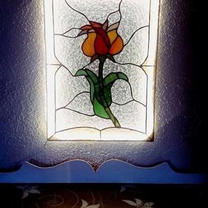Magyarok tulipánja- ólomüveg , Otthon & lakás, Dekoráció, Lakberendezés, Képzőművészet, Üvegművészet, A tulipán, mint szimbólum magában hordozza a Nap, a fény, az erő és az élet születését, a megújulást..., Meska