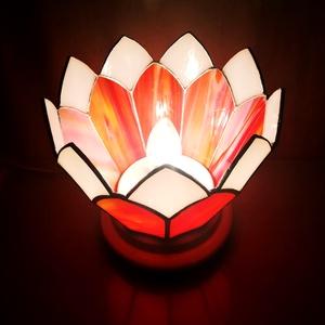 Nyári virág - Tiffany lámpa , Otthon & lakás, Lakberendezés, Lámpa, Asztali lámpa, Hangulatlámpa, Dekoráció, Dísz, Üvegművészet, Színátmenetes piros-fehér, illetve fehér opálos üvegből készült. Minden oldala más és más árnyalatú...., Meska