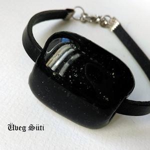 Unisex fekete aventuri csillogó  karkötő üvegékszer, Ékszer, Karkötő, Táska, Divat & Szépség, Férfiaknak, Üvegművészet, Ékszerkészítés, Fekete aventurin csillogó üvegből készült a karkötő olvasztásos technikával. Fekete ezüstös aventuri..., Meska