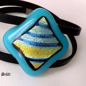 Kékvirágos mező  világoskék   csíkos mintás csillogó két soros karkötő üvegékszer, Ékszer, Karkötő, Táska, Divat & Szépség, Üvegművészet, Ékszerkészítés, Világoskék, .átlátszó és  fényben csikos csillogó  különleges egyedi mintás ékszerüvegek felhasználá..., Meska