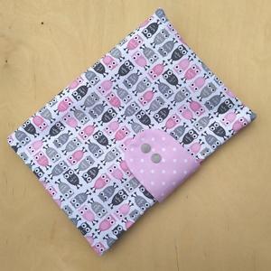 Extra méretű rózsaszín baglyos pelenkatartó, pelenkatáska 2., Gyerek & játék, Baba-mama kellék, Táska, Divat & Szépség, Táska, Pénztárca, tok, tárca, Varrás, Nagyobb méretű dupla cipzáras pelenkatáskát készítettem.\n\nKényelmesen elfér benne egy 80 darabos ned..., Meska