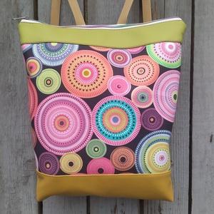 Hátizsák, Táska & Tok, Hátizsák, Varrás, Textilbőrből és patchwork vászonból készült táska.\nA táska záródása cipzárral történik.\nVállpántja h..., Meska