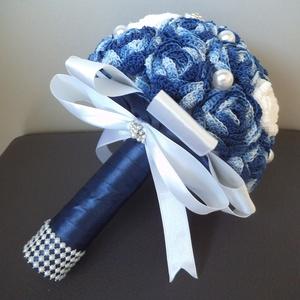 Velencei álom örökcsokor, Otthon & lakás, Esküvő, Dekoráció, Csokor, Esküvői csokor, Rendelésre készül a képen látható kék ombre hatású örökcsokor. A rózsákat kék ombre horgolófonallal ..., Meska