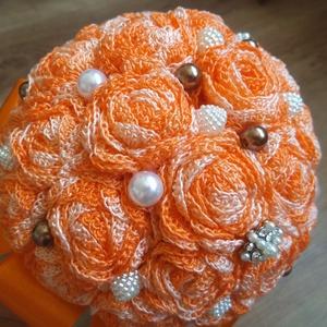 Narancsos ombre örökcsokor, Dekoráció, Esküvő, Csokor, Esküvői csokor, Horgolás, Virágkötés, Eladó a képen látható új, kézműves, horgolt rózsákból álló örökcsokor. A virágokat narancs ombre sz..., Meska