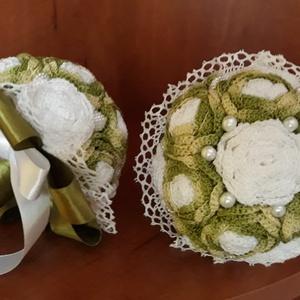 Szülőköszöntő örökcsokor mini 2 db-os, Dekoráció, Otthon & lakás, Csokor, Esküvő, Esküvői csokor, Horgolás, Ez a két csokor avokádózöld ombre és fehér virágokból áll. A rózsákat horgoltam, gyöngyökkel, csipké..., Meska