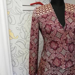 Bordűrös kosztüm bíbor színben (Vagi78) - Meska.hu