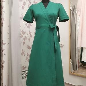 Tavaszi zöld kedvenc, Ruha & Divat, Női ruha, Ruha, Varrás, Készítettem egy zöld átlapolt ruhát, közepes dzsörzéből.\nNagyon szép smaragd zöld színe van. Rugalma..., Meska