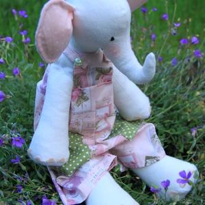 Elefánt kislány - Lili Eli, Elefánt, Plüssállat & Játékfigura, Játék & Gyerek, Baba-és bábkészítés, Varrás, Részletesen kidolgozott, teljes mértékben kézzel készült egyedi termék, Tilda állatfigurája alapján...., Meska