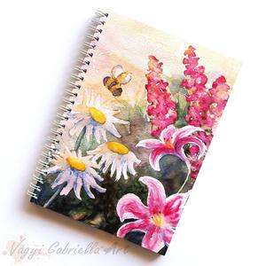 Illatos tavasz spirálfüzet - vonalas füzet - virágos rét, Naptár, képeslap, album, Otthon & lakás, Jegyzetfüzet, napló, Ballagás, Ünnepi dekoráció, Dekoráció, Festett tárgyak, A füzet borítója egy festményem másolata. Az eredeti akvarellfestmény saját szellemi termékem.\nA füz..., Meska