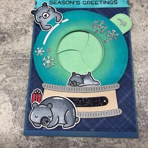 Karácsonyi hógömb macikkal, Művészet, Grafika & Illusztráció, Papírművészet, Kézzel készített interaktív képeslap, a hógömb oldalán található kart lehúzva a hógömb kinyílik, és ..., Meska