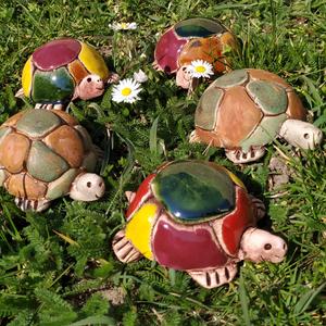 Kerámia teknős, Otthon & lakás, Dekoráció, Dísz, Képzőművészet, Szobor, Kerámia, Lakberendezés, Kerti dísz, Kerámia, Különleges kerámia technikával készült kis teknősök. Mindegyik egyedi kinézetű, a páncélra festett m..., Meska
