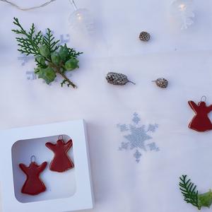 Téli dekor angyalkák, karácsony napjára is alkalmasak dísznek, Karácsonyfadísz, Karácsony & Mikulás, Kerámia, A karácsony hamarabb eljön, mint gondolnánk. Készüljünk fel időben az ünnepekre. Ezek az angyalkák n..., Meska