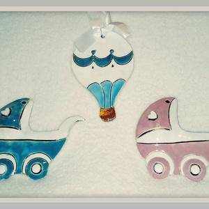 Fiú és lány hőlégballon és babakocsi, Játék & Gyerek, Babalátogató ajándékcsomag, Kerámia, Szeretnénk bejelenteni rokonainknak, hogy gyermeket várunk? Adjunk nekik ajándékba a baba nemének me..., Meska