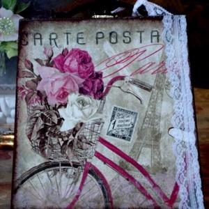 Táska alakú doboz, Ékszer, Decoupage, transzfer és szalvétatechnika, Különleges, táska alakú doboz lányoknak, kislányoknak.\nHangulatos biciklis párizsi képet tettem rá, ..., Meska