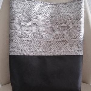 Nagy pakolós táska , Táska & Tok, Kézitáska & válltáska, Nagy pakolós táska, Varrás, Csodálatos kígyó bőr hatású jó minőségű Textilbőrböl készült nagy pakolós táska. \nMagasság :40\nSzéle..., Meska